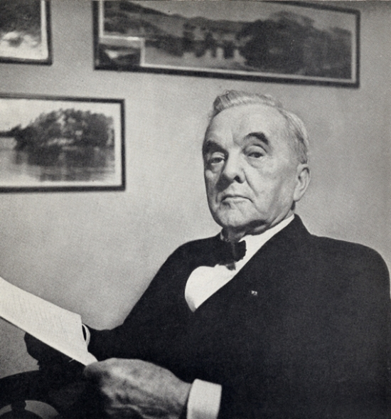 Photo and image credit: Photo of George W. Norris portrait on United States Senate web site; portrait used as courtesy Fighting Liberal: The Autobiography of George W. Norris (The Macmillian Company, 1945) pp. ii.